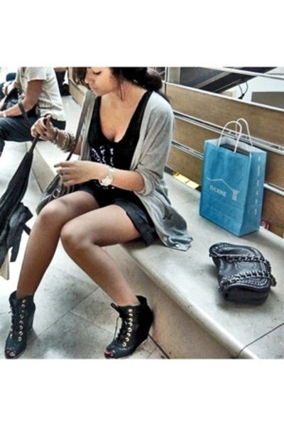 black Sonia Rikyel t-shirt - black Chanel shoes - blue Secondhand shorts