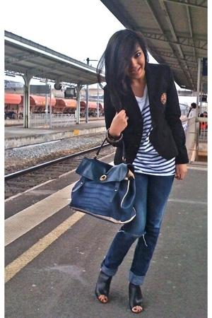 Ralph Lauren blazer - H&M t-shirt - Diesel jeans - Chanel shoes - Yves Saint Lau