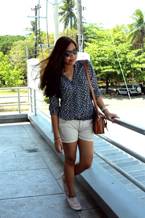 crissa blouse - Fresh Gear shorts - Keds sneakers - cotton on accessories