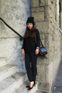 Navy-h-m-bag-black-madewell-sweatshirt-dark-green-h-m-pants-zara-heels