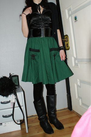 green self-made skirt - black Cubus leggings - black DinSko boots - black H&M sh