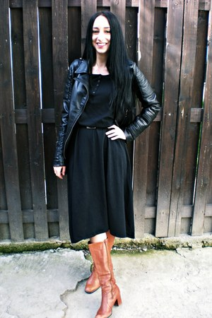 carrot orange Peter Kaiser boots - black mywear dress