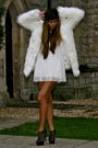 White-boohoo-coat