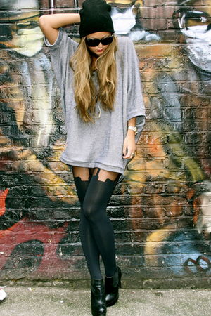 gray Topshop sweater