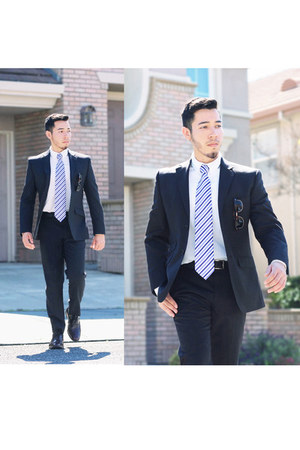 puccini tie - charcoal Perry Ellis suit