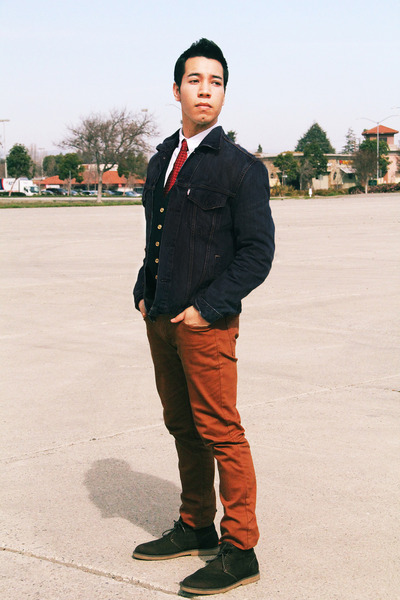desert H&M boots - jean Levis jacket - vest Marc Jacobs vest