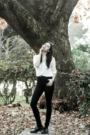 H&M jeans - Stradivarius shirt - lgr sunglasses - Bershka flats