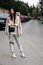 converse Converse sneakers - beige trench coat Stradivarius coat - black H&M hat