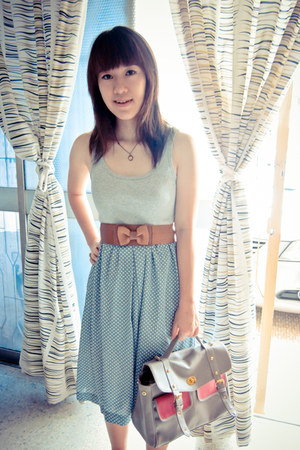 grey bag - grey tank Hang Ten top - skirt - tan ribbon belt
