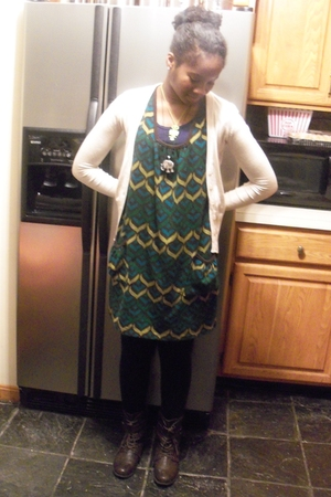 green Claires necklace - green from mom dress - beige Urban Behaviour cardigan