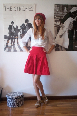 H&M hat - H&M shirt - second hand skirt - vintage shoes