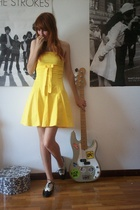Secondhand dress - vintage shoes