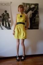 black second hand shoes - yellow Primark dress - black H&M belt
