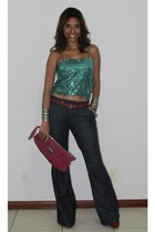 red belt - hot pink purse - dark gray pants - teal top - red pumps