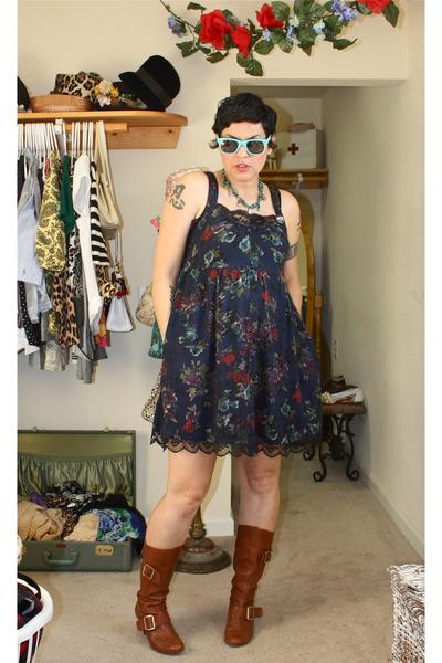 Forever 21 Dresses, Boots BCBG Girls Boots, Sunglasses Target ...