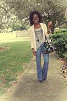 neutral blazer - blue flare leg jeans - heather gray t-shirt - black pumps
