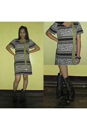 dress - boots - scarf - accessories