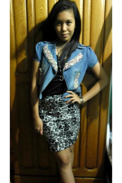 skirt - jacket - accessories - top