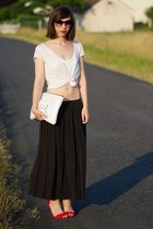 black vintage skirt - white Claire Beneteau bag - white H&M t-shirt