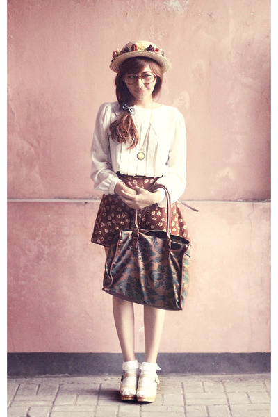 magenta clarabelle hat - ivory UP shoes - ivory vintage shirt