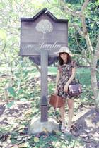 floral thrifted vintage dress - leather vintage bag - Ruby wedges