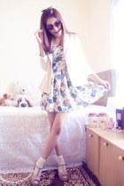 sky blue tapestry vintage dress - tan t-strap Decimal shoes - ivory L&K blazer