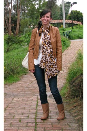 Stradivarius jacket - santorini boots - Zara jeans
