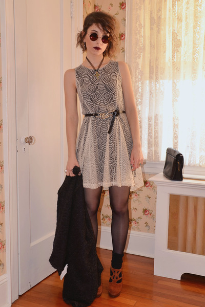 tawny Urban Outfitters shoes - beige Electric Frenchie dress