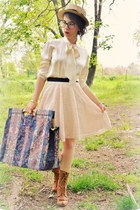 Urban Outfitters boots - carpet vintage bag - vintage blouse - lace Forever 21 s