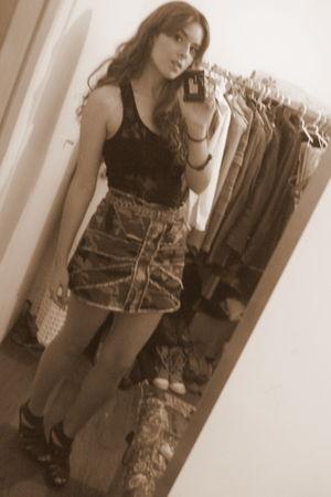 Zara t-shirt - fishbone skirt - wonders shoes - vintage belt
