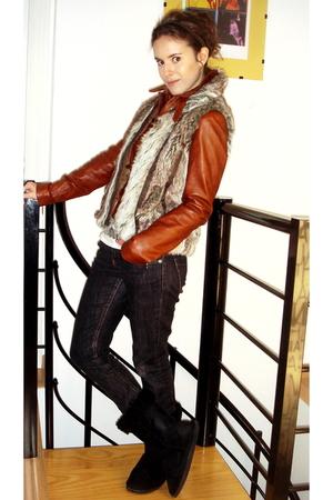 vintage vest - Zara jeans - Morocco jacket - Zara t-shirt