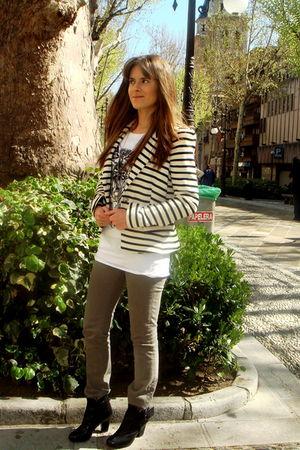 Zara blazer - Zara jeans - Clarks boots - lft t-shirt