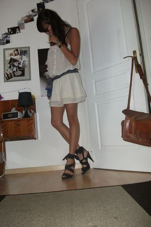white Zara dress - black H&M shoes - blue vintage scarf - blue asos bag