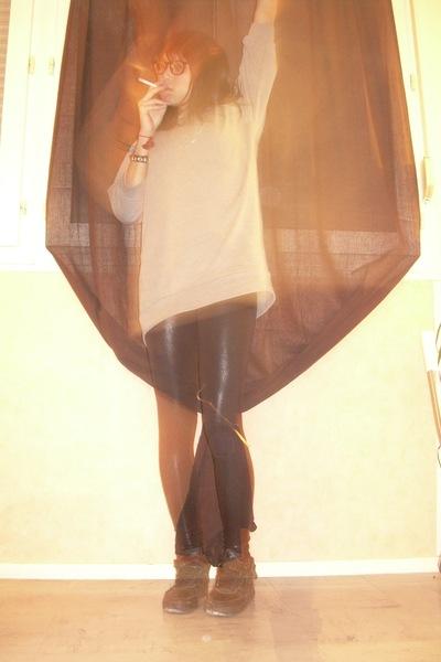 gray H&M sweater - black American Apparel leggings - black nike shoes