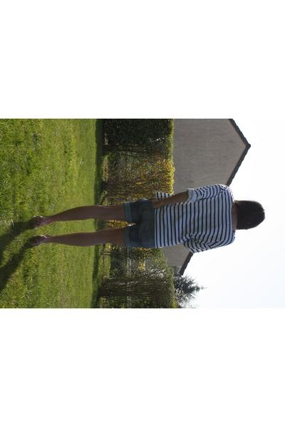 blue Zara shorts - white Zara t-shirt - H&M shoes