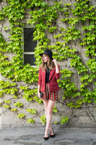 black velvet Forever 21 hat - brick red 3-4 sleeve Forever 21 blazer