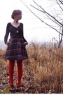 Black-h-m-sweater-black-vintage-skirt-red-modcloth-tights-brown-seychelles