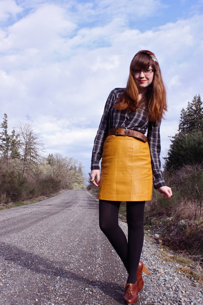 Yellow Secondhand Leather Skirt | Chictopia