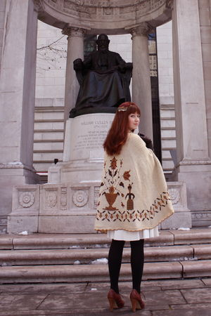 beige vintage cape coat - white vintage dress - black H&M tights - brown seychel