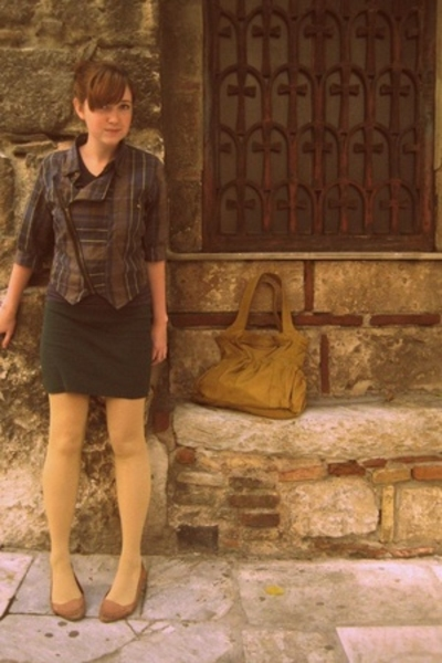 Sample jacket - American Apparel skirt - Pull and Bear purse - some shop in Japa
