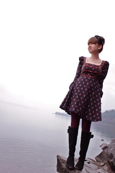 black vintage accessories - black vintage dress - purple fred flare tights - bla
