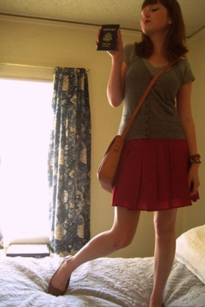 forever 21 vest - forever 21 skirt - Urban Outfitters shoes - purse