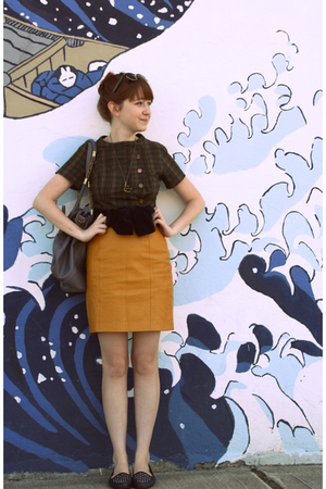 vintage dress - self-made belt - Secondhand skirt - Secondhand shoes - ShopRuche