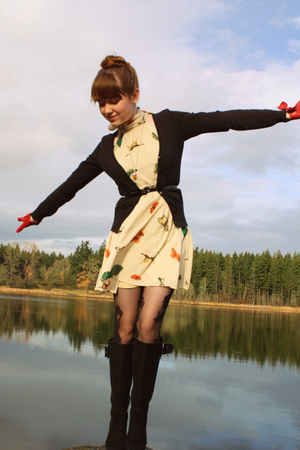 red modcloth gloves - black boots - beige asos dress - black H&M sweater
