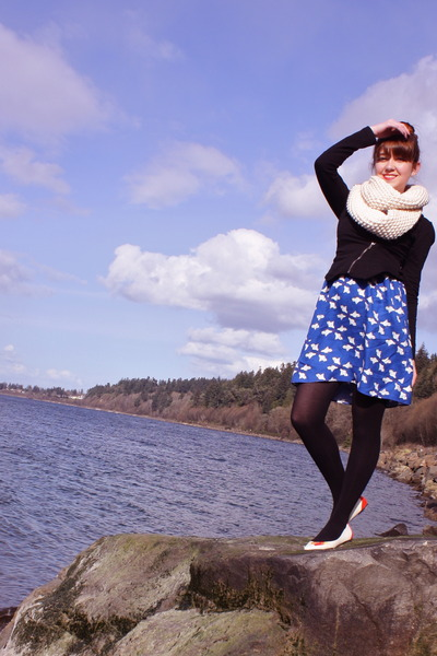 white modcloth shoes - blue modcloth dress - black UO jacket - black H&M tights