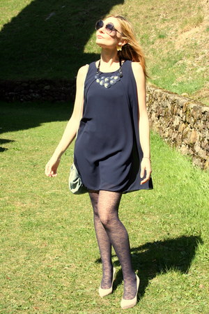 eggshell cinti shoes - navy Moda Italia dress - periwinkle Camomilla Italia bag