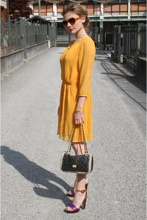 orange Ichi dress - magenta cinti sandals