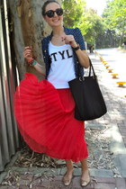 hot pink Stylebutik skirt - black Hugo Boss bag - crimson zeroUV sunglasses