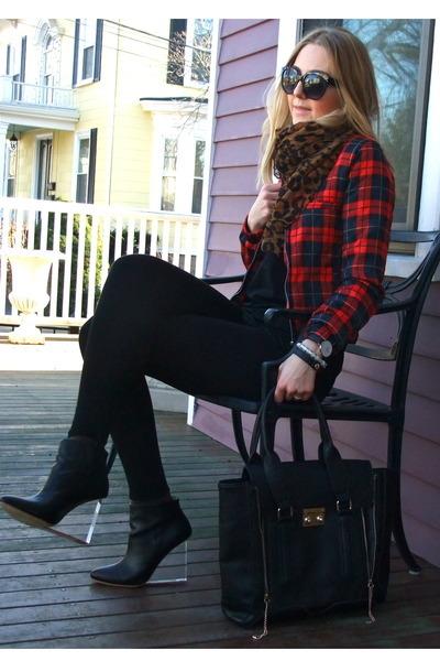 black Jessica Buurman boots - red tartan PERSUNMALL jacket