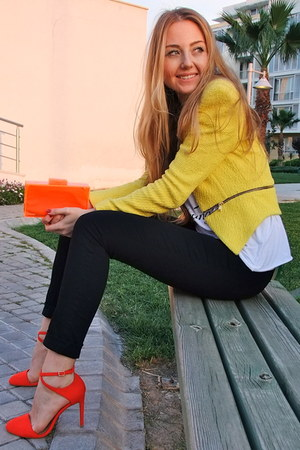 yellow tweed Zara blazer - carrot orange plastic Zara bag